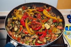 Unite le verdure e proseguite la cottura