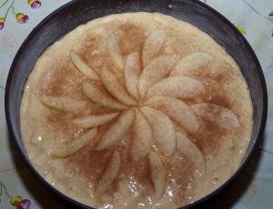 spolverizzate la torta con un cucchiaino di zucchero di canna