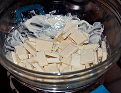 Sciogliete il cioccolato a bagnomaria