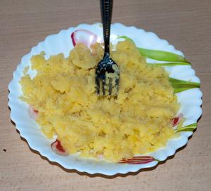 Schiacciate le patate con la forchetta