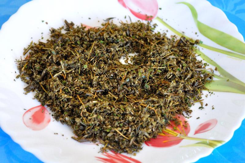 Preparate il trito di erbe aromatiche
